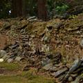 Photos: 崩れかけた塀