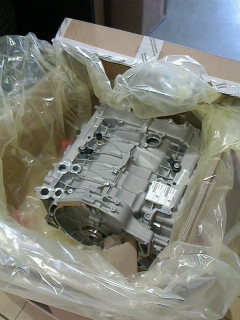 ポルシェ(996後期型)911カレラ4ショートブロック新品エンジン入荷☆