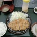 とんかつ屋まんぶう「ロースカツ定食」860円