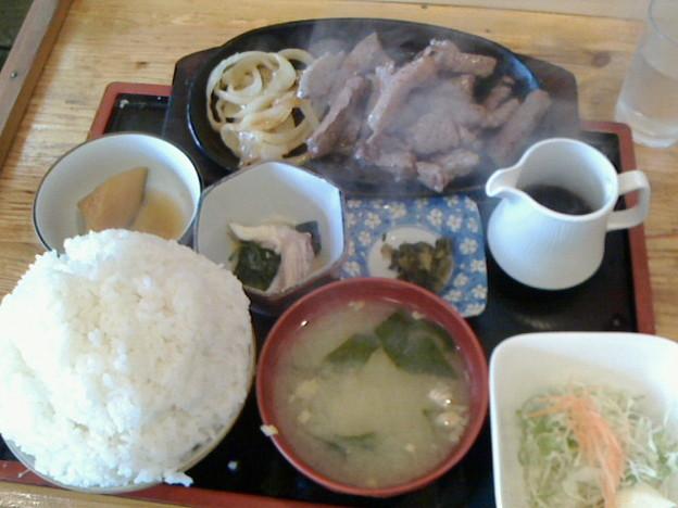 定食の店 牛太郎「カットステーキ定食」850円