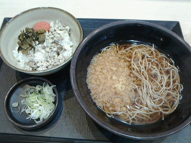 ゆで太郎「朝食セット焼鯖ごはん温そば」380円