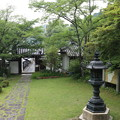 Photos: 神童寺・本堂より表門