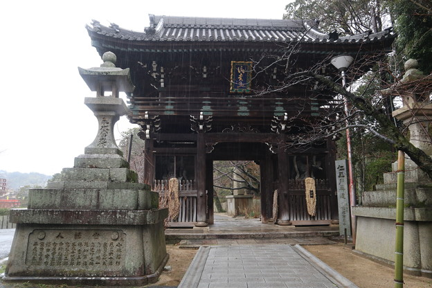 信貴山・仁王門1