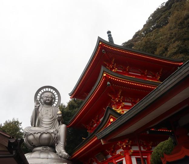 信貴山・玉蔵院(地蔵尊&三重塔)1