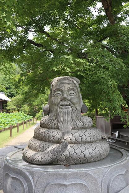 三室戸寺・狛蛇(宇賀神)