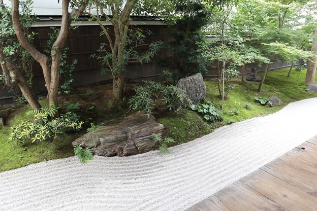 霊源院・庭園「鶴鳴九皐」(南庭・鶴島)