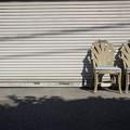 写真: 二つの椅子