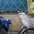 Photos: 窓と自転車