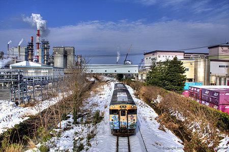 氷見線を走る、忍者ハットリくん列車