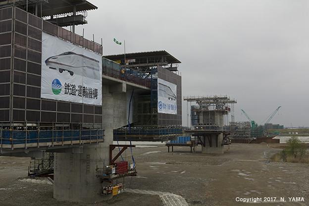 写真: 2017年4月9日、手取川橋梁(建設中)