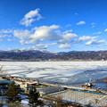 写真: 諏訪湖全面結氷