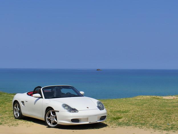 写真: 砂浜で休憩