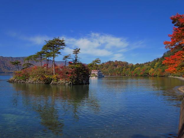 十和田湖畔