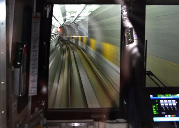 写真: 流れる線路