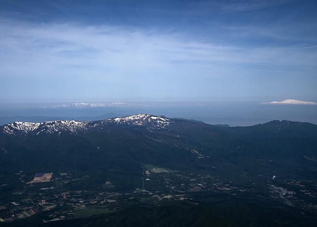 Photos: 蔵王連峰と月山と朝日連峰