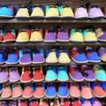 Photos: 孫の靴を選ぶ