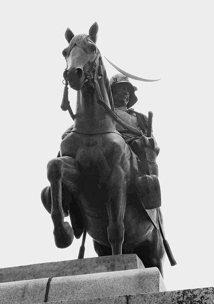 伊達政宗騎馬像