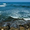 Photos: 河口の波