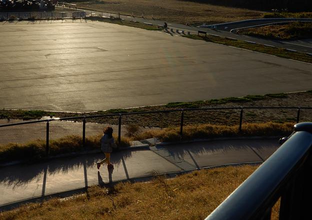Photos: 夕日を走る