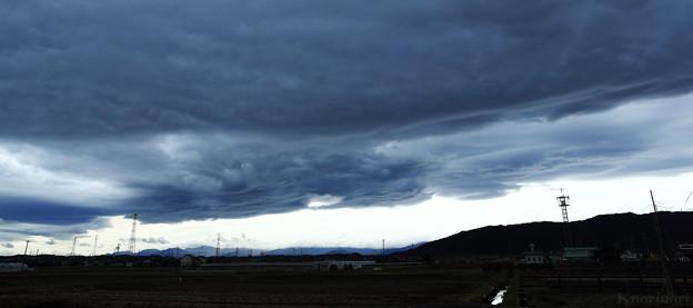 空を覆う雲