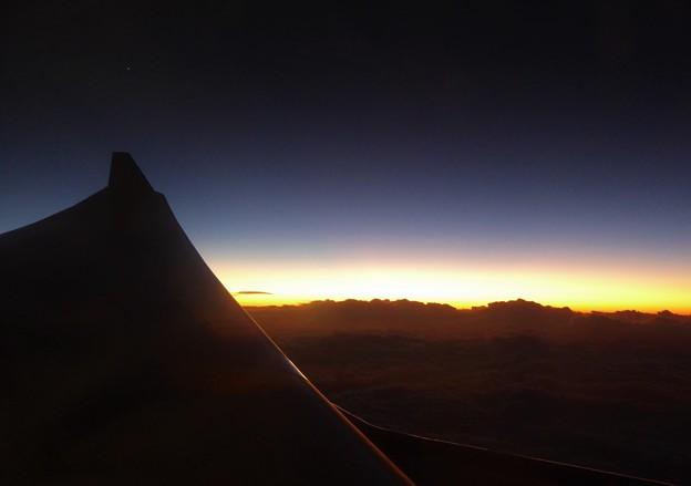 帰路航空機と宵の明星
