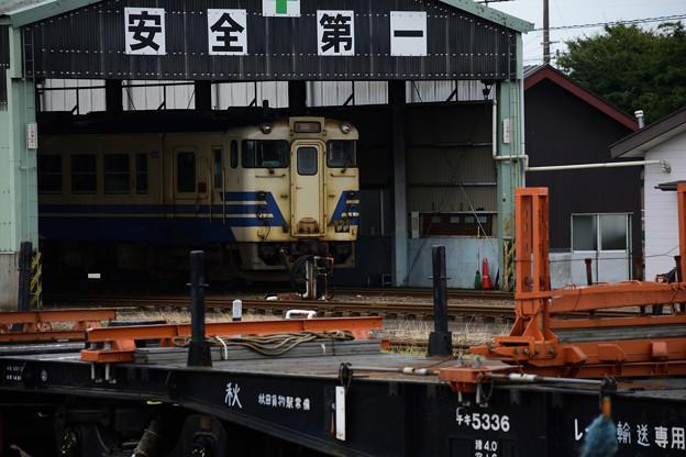 Photos: 車庫入り