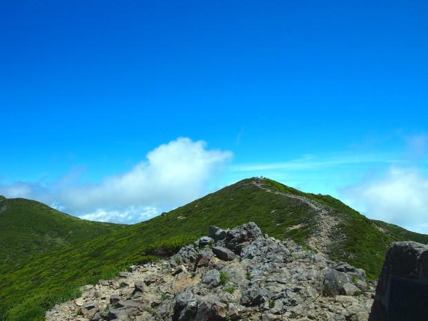 雲の上の稜線