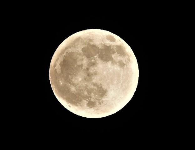旧暦16日夜の月