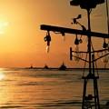 Photos: 夕焼けと船