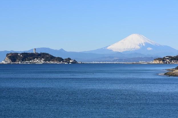 新春の富士山と江ノ島