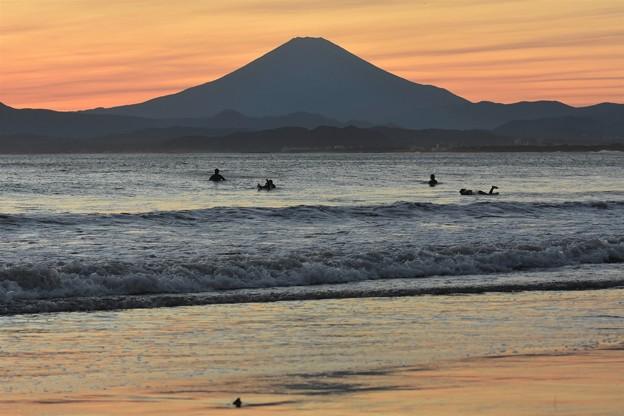 片瀬海岸からの富士山夕景