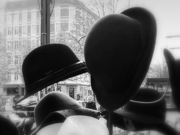 店頭の帽子