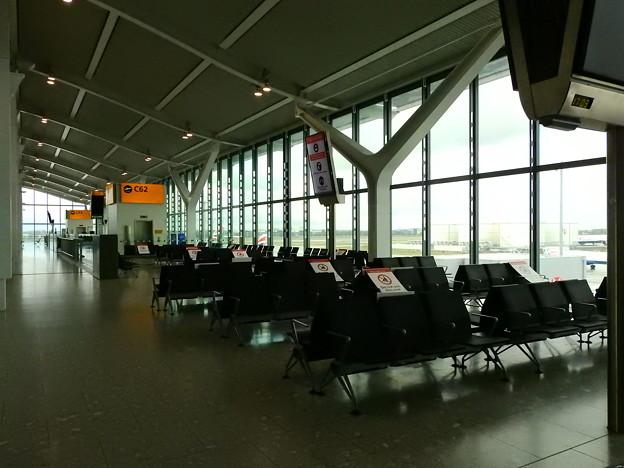 ロンドン・ヒースロー空港 5)
