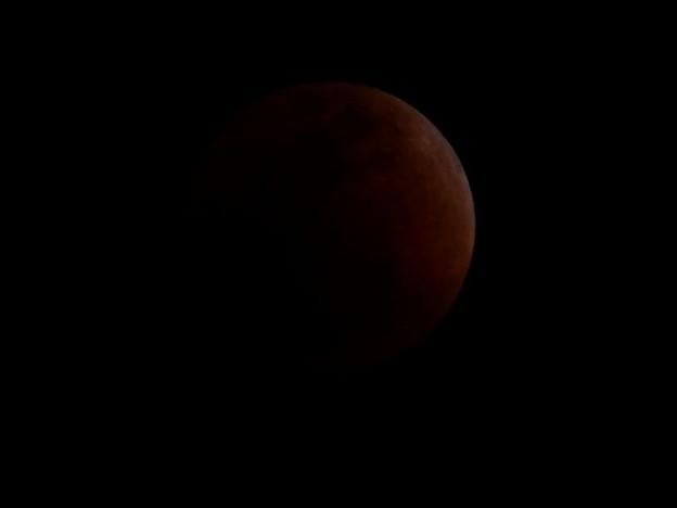 写真: 皆既月食 (4)