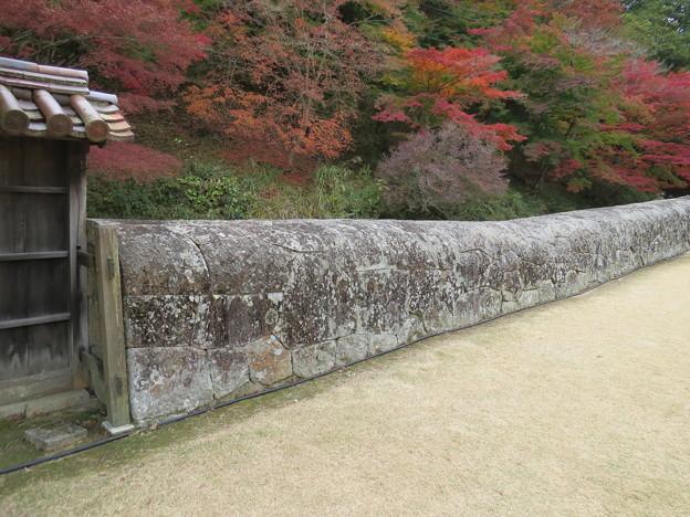 馬の背の石塀