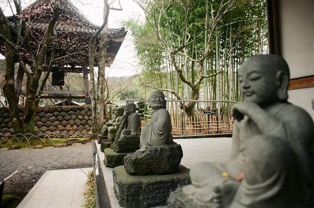 僧侶の囁き