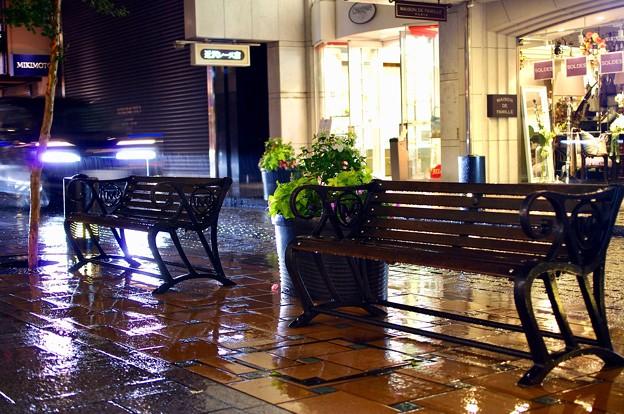 雨の横濱元町