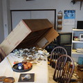 Photos: 地震発生直後の民家の風景