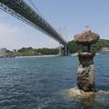 Photos: 関門橋とめかりの海の灯篭