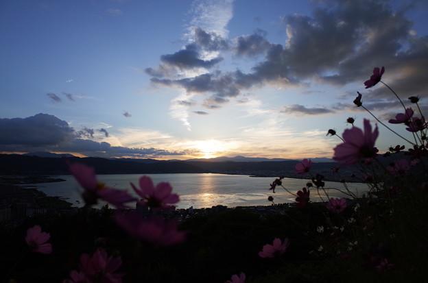 初秋・諏訪湖に沈む夕陽と夕景2@長野県諏訪市 立石公園(2018