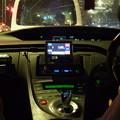 写真: 光の収穫…雨の夜のプリウスタクシー