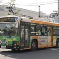Photos: 祝日の昼下がりを走る都バス