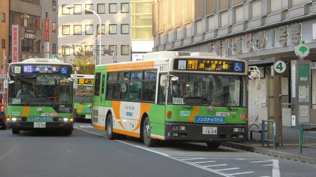 新橋駅前に集う3路線の「渋谷駅前行き」