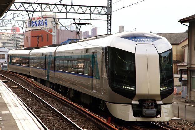 西新井駅下り副1番線入線