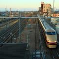 Photos: JR東日本 栗橋駅上り本線通過 東武鉄道106編成