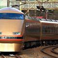 Photos: 5128M列車充当車両
