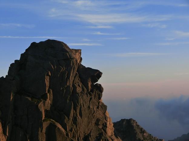 1-147 夕陽を浴びる天狗岩