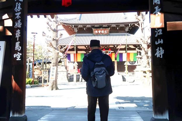 053 弘福寺山門をくぐり