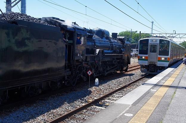 D51-498 × 211系