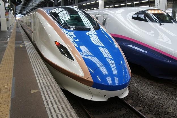 Photos: E7系